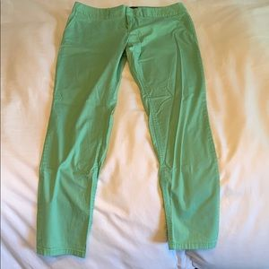 Relaxed fit, light weight mint Capri
